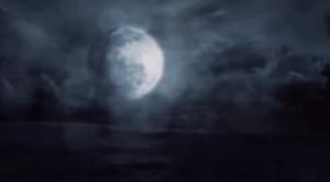 Luna vicino alla terra